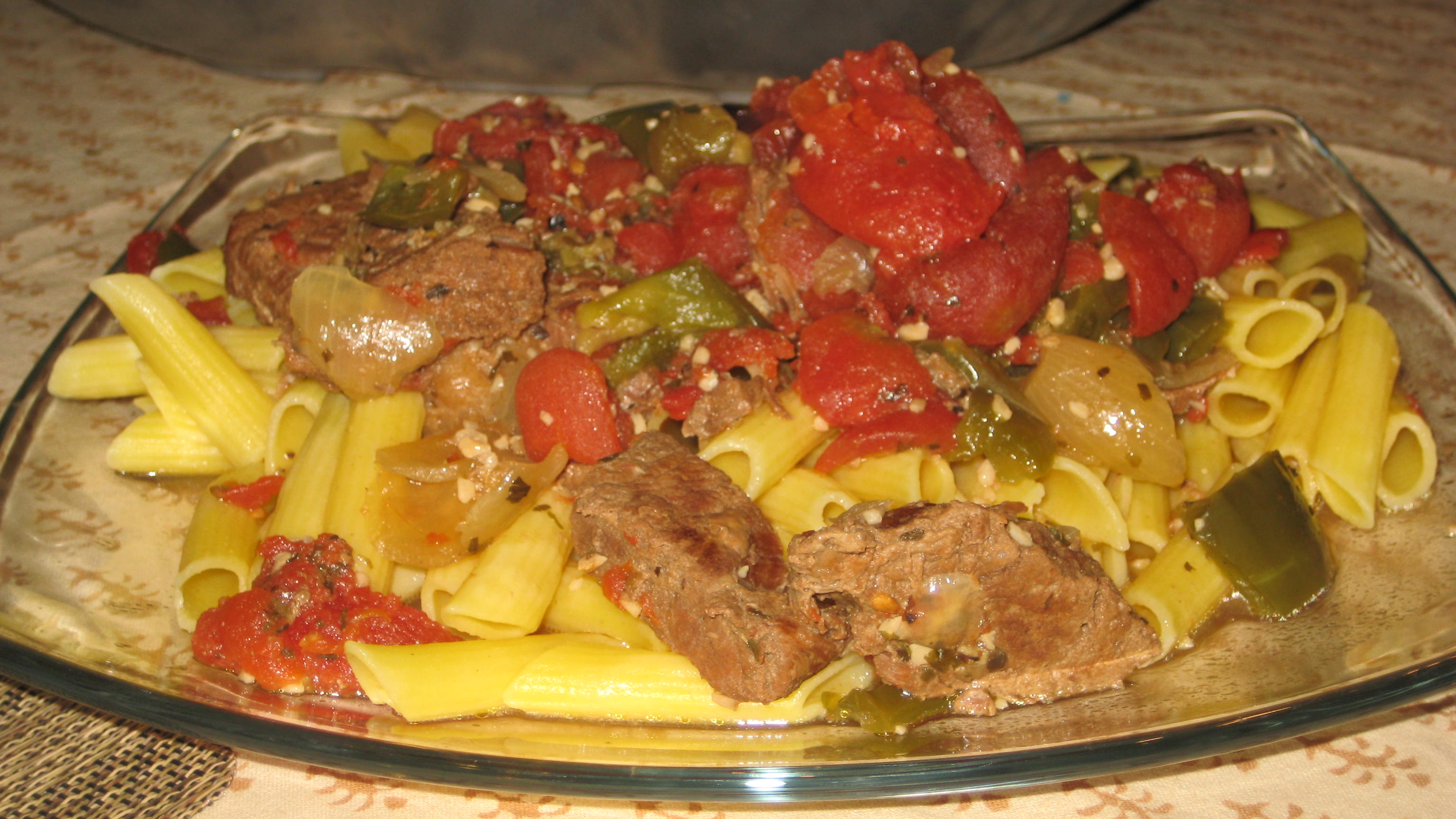 Crock-Pot Beef Round Steak In Green Pepper Tomato Sauce Over Pasta