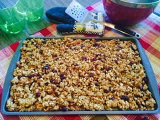 Homemade Granola,  You Won't Be Able To Stop Eating This :P