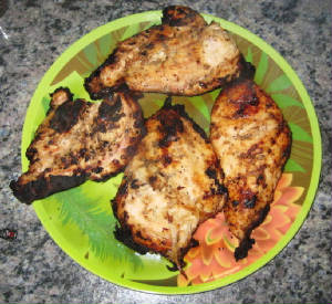 Grilled Chicken With The Flavor of Garlic / Lemon Marinade