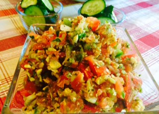 Fiesta Salsa, a great recipe to enjoy with veggies or use as a topping on your favorite fish :P