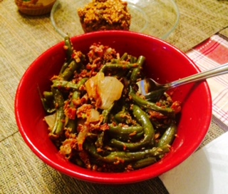 Green Beans Slow Cooked With Onion & Bacon, YUM!